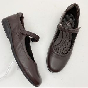 WALKING CRADLES Brown Leather Mary Jane Flats